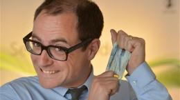 anh phát hành tiền 20 bảng bằng polyme