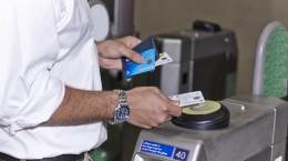 thanh toán thẻ không tiếp xúc